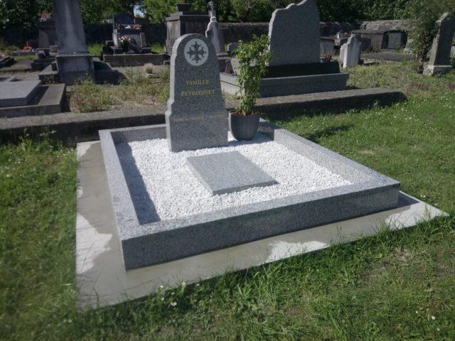 Caveau funéraire granit Urne 65 Marbrerie Zamora